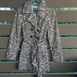 GUESS  Los Angeles women's Rain Fall Spring jacket